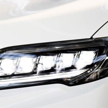 Acura RDX headlight upclose