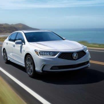 2018 Acura RLX white background