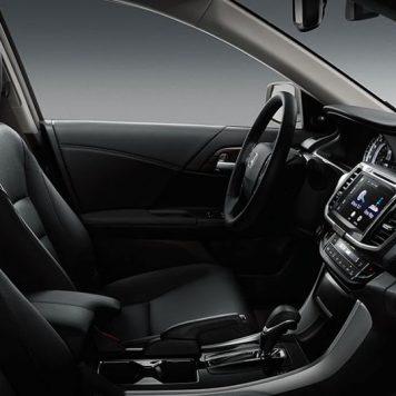 2017 Honda Accord Sedan front cabin