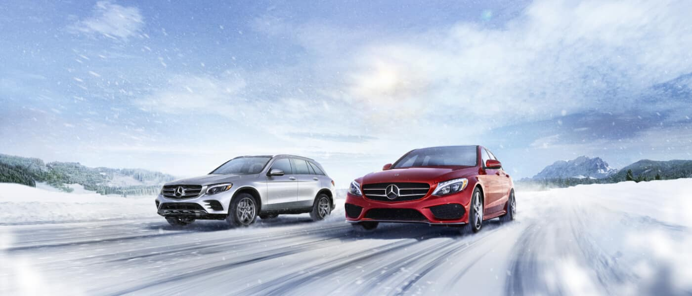 2019 Mercedes-Benz GLC side by side driving in snow