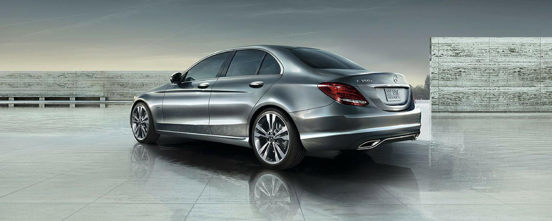2018_MercedesBenz_CClass_Sedan