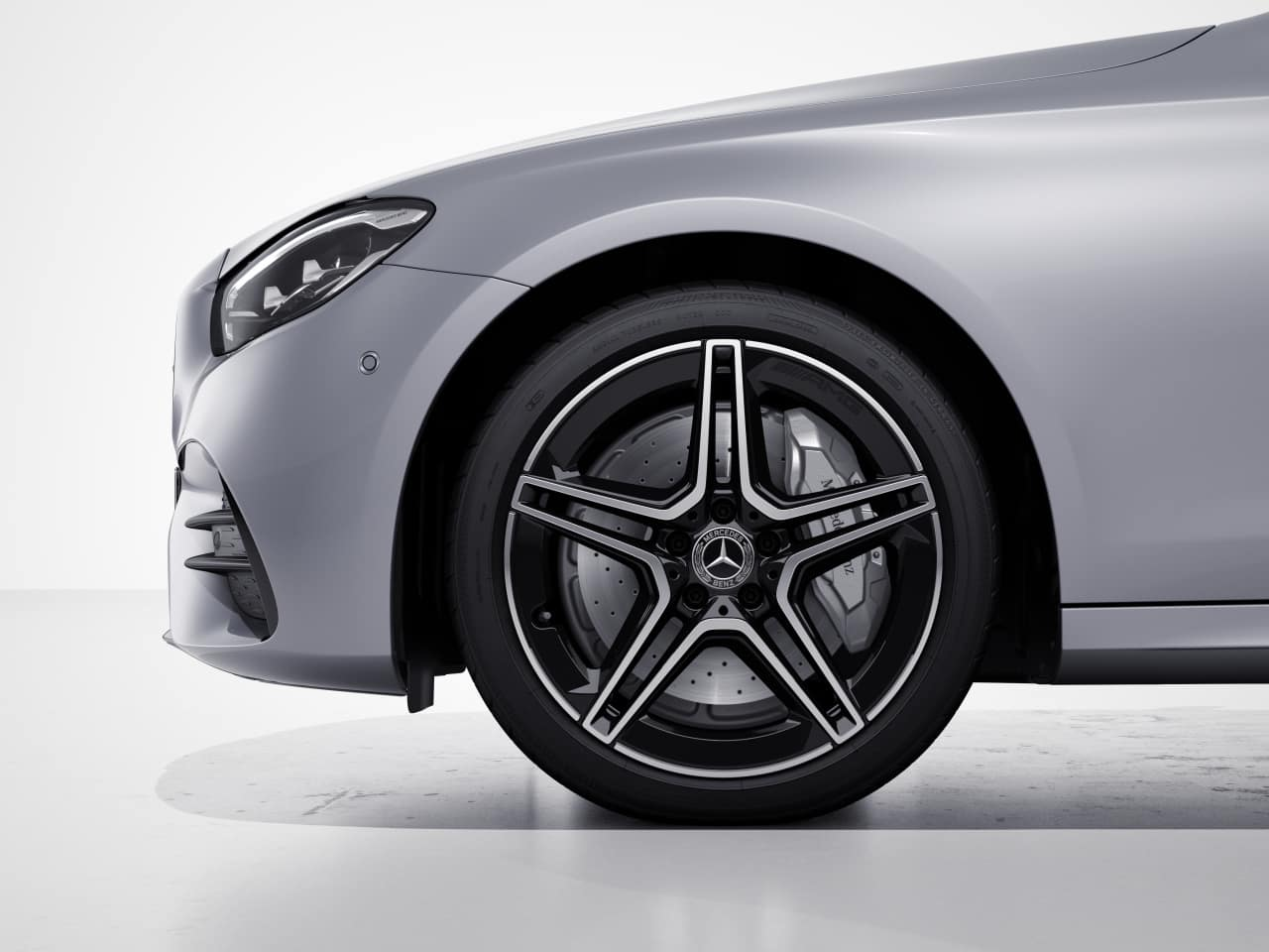 RSP - AMG® 5-Spoke Wheels w/ Black Accents