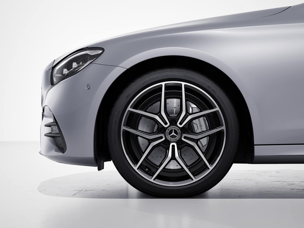 RTH - AMG® Twin 5-Spoke Wheels w/ Black Accents