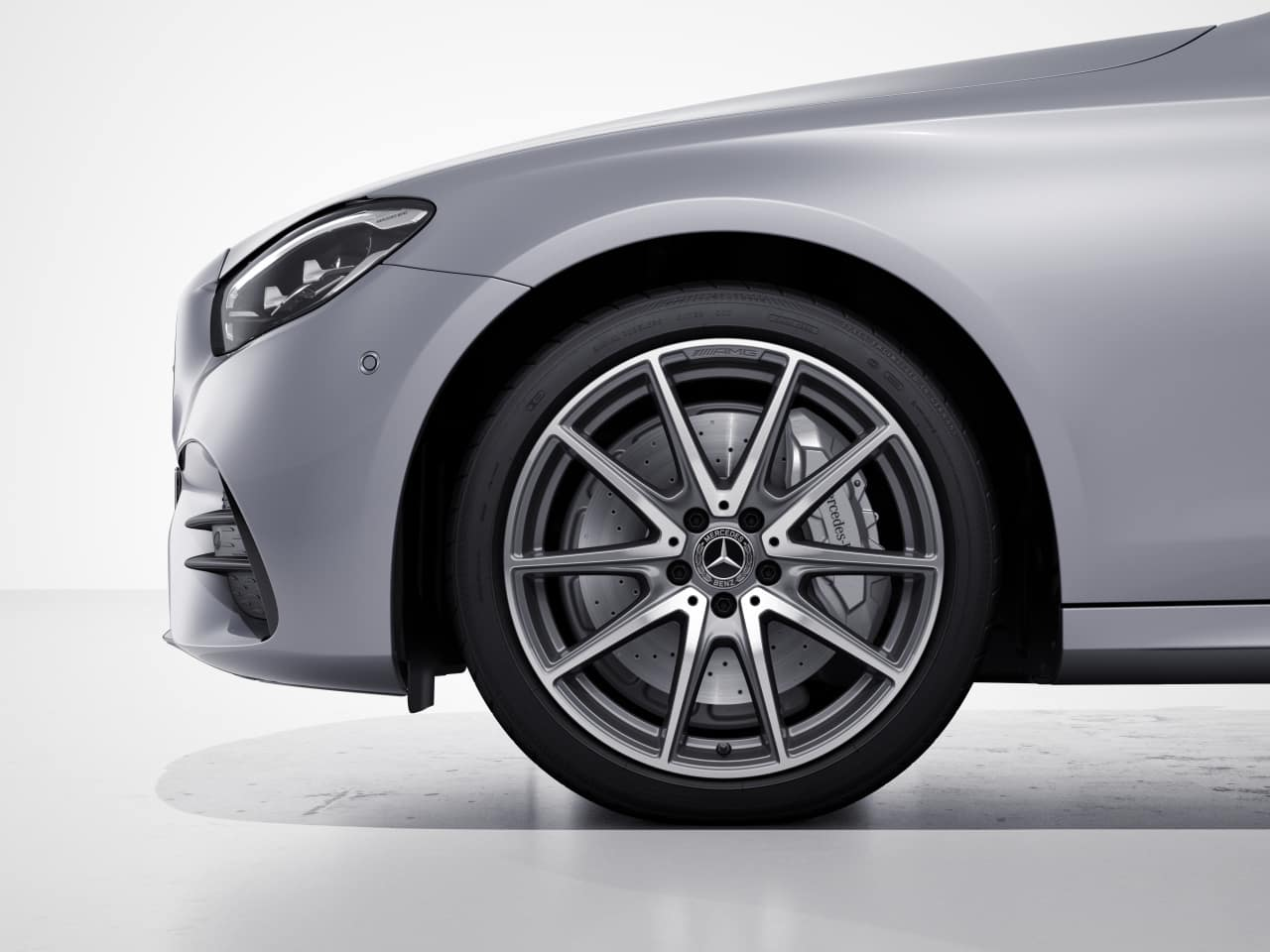 RUG - AMG® Twin 10-Spoke Wheels