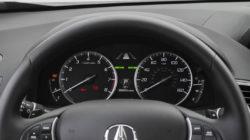 2017 Acura RDX interior features