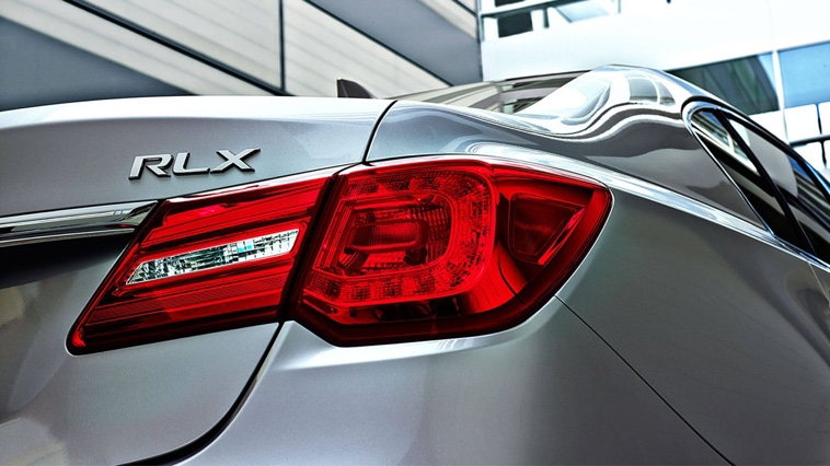 2017 Acura RLX tail light up close