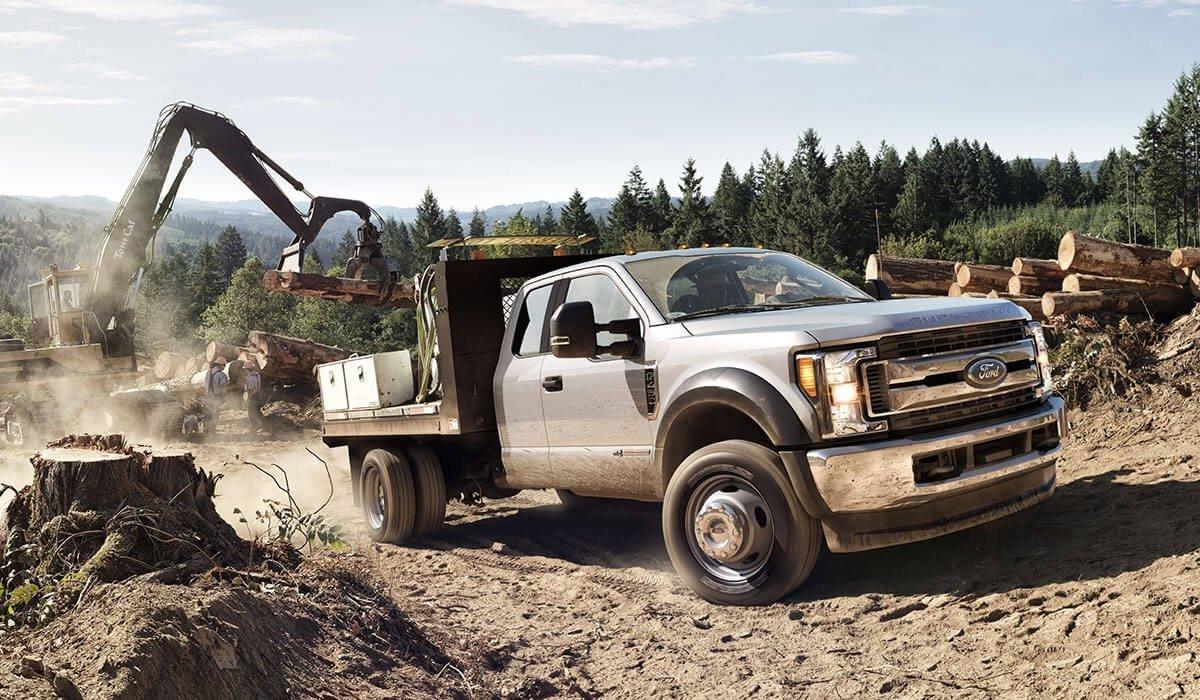 2017-Ford-Super-Duty-F-250-XL-logging