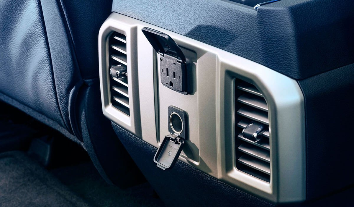 2017-Ford-Super-Duty-F-250-XL-outlet
