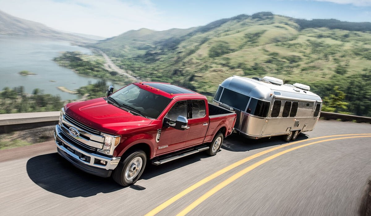 2017-Ford-Super-Duty-F-250-XL-towing