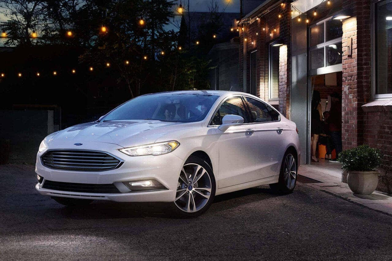2018 Ford Fusion in white