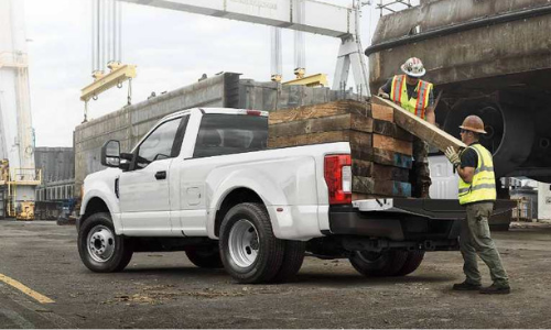 Accessories for the Ford Super Duty make work easy.
