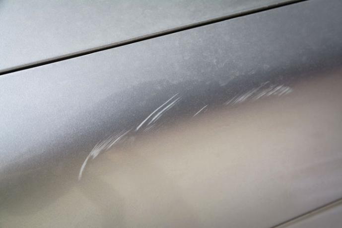 Scratch in a silver car