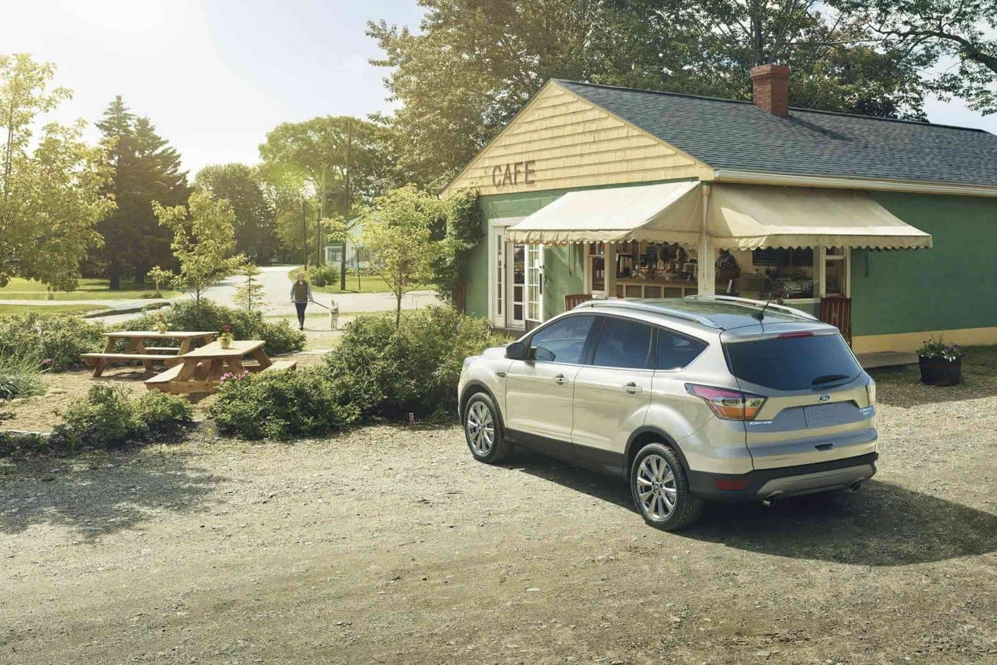 2018 Ford Escape Canada Titanium in White Gold