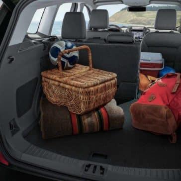 2018 Ford Escape Canada Versatile 60-40 2nd-row split rear seats