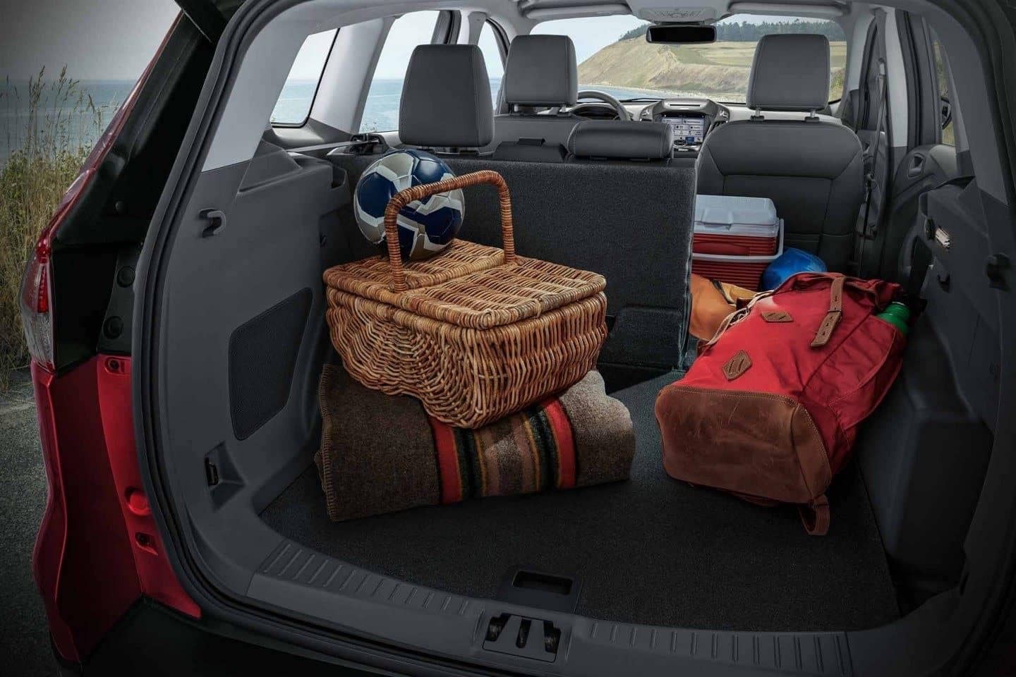 2018 Ford Escape Canada Versatile 60-40 2nd-row split rear seats