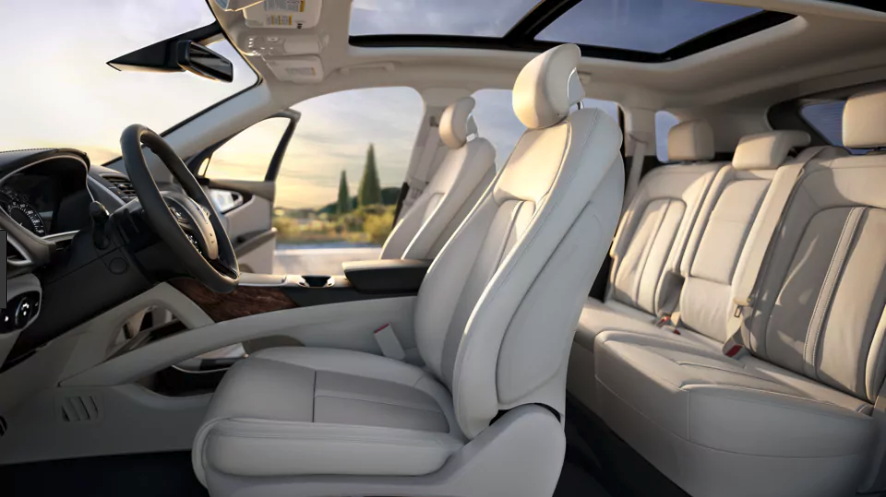 Spacious interior of the 2018 Lincoln MKX in Regina