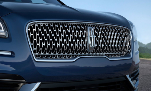 The stunning grille on the new Nautilus.