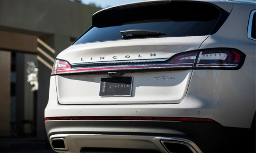 The rear end of the midsize luxury SUV.