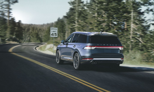 2020 Lincoln Aviator rear exterior