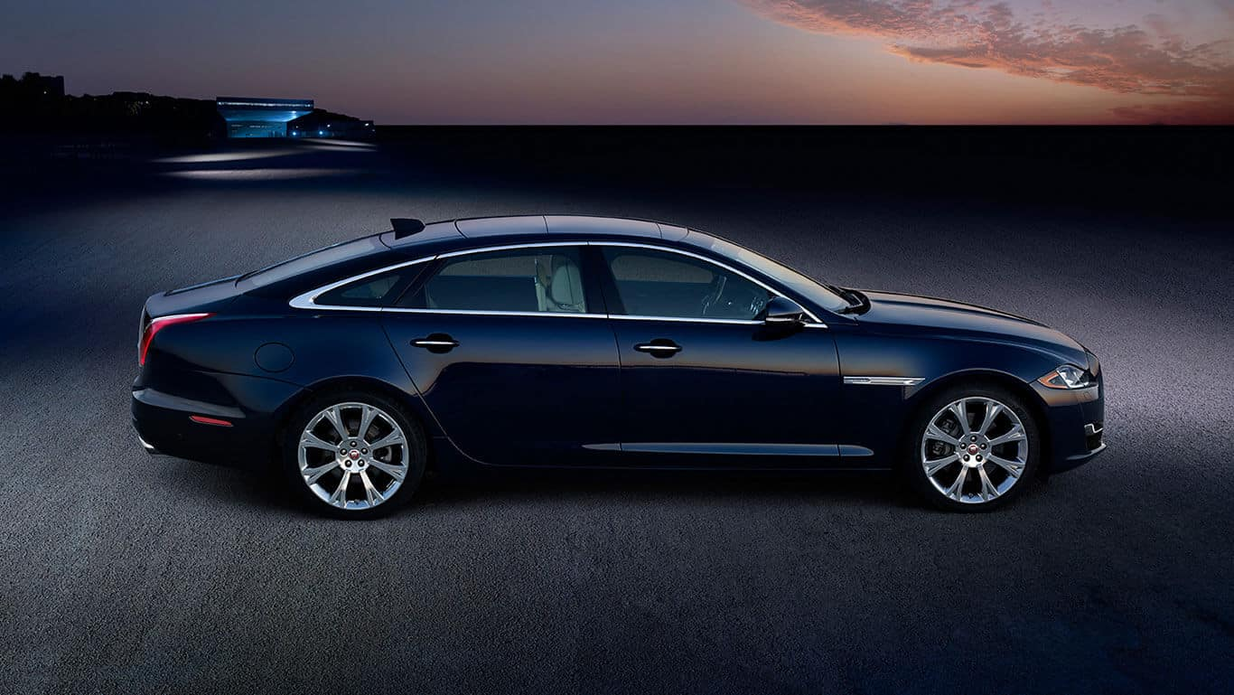 2018 Jaguar XJ exterior side view