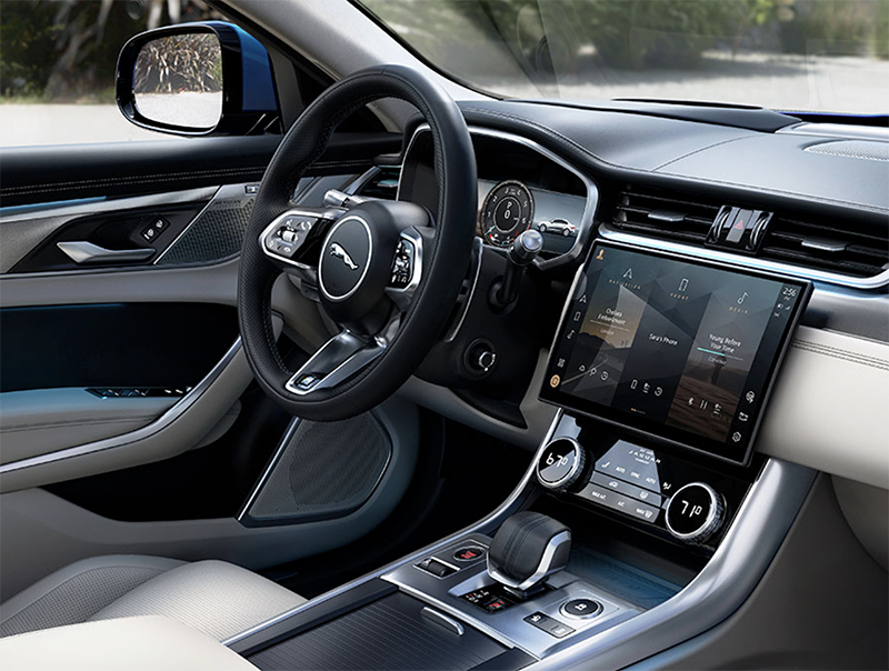 Jaguar's range of impressive intuitive technology that keeps you in the know and in control with ease.