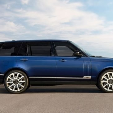 2017 Land Rover Range Rover side view