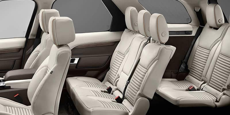 2019 Land Rover Discovery Passenger and Cargo Space