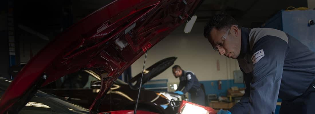 Acura Service Technicians