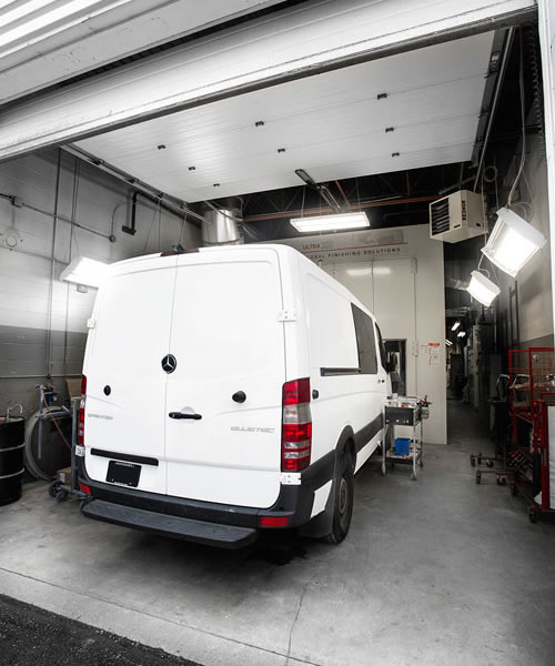 Capable of Painting High-Roof Sprinter Vans