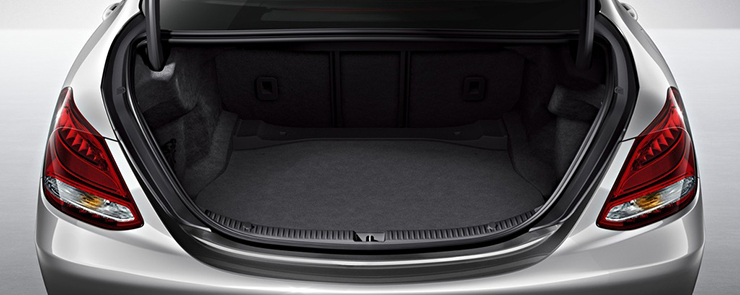 C-Class_Sedan_interior-trunk-3