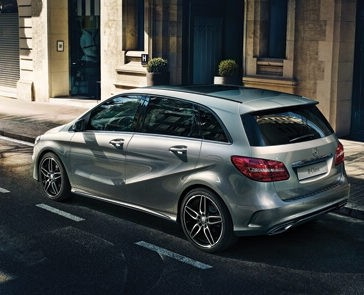 2018 Mercedes-Benz B-Class rear view exterior