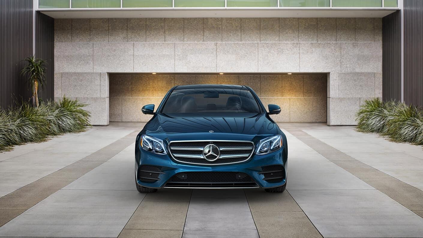 2018 Mercedes-Benz E 300 Front Exterior