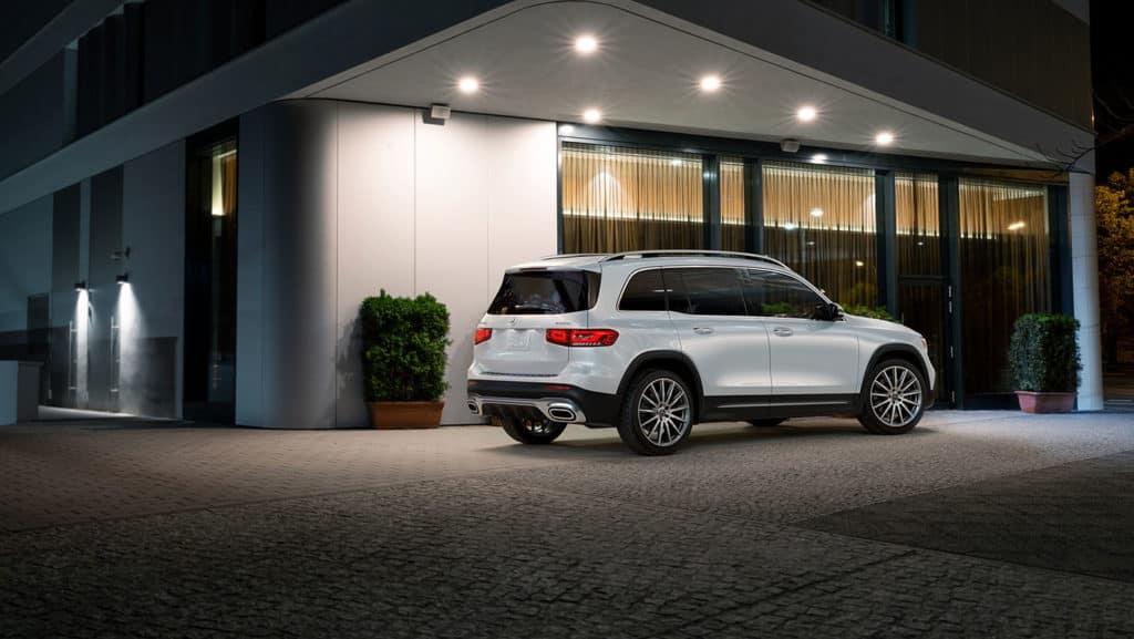 2021-Mercedes-Benz-GLB-SUV-Rear