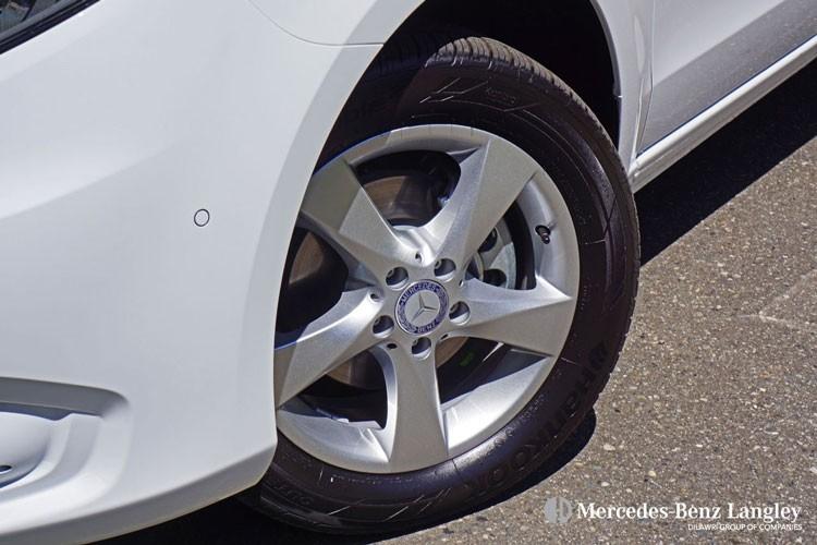 Mercedes-Benz Metris Passenger