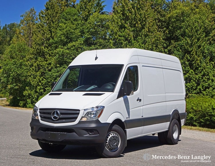 2016 mercedes benz sprinter 3500 cargo van road test for Mercedes benz sprinter service