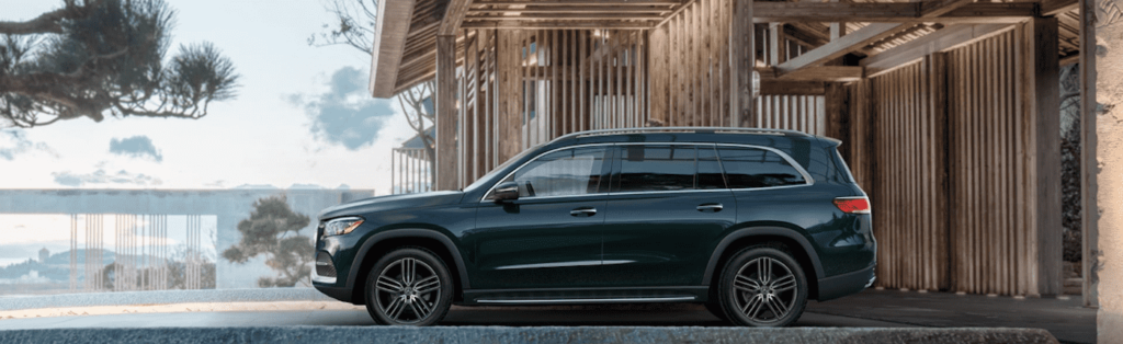 Green Mercedes-Benz GLS
