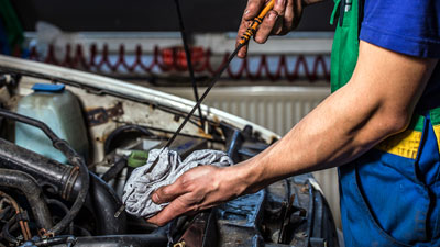 Mercedes-Benz Auto Service Oil Change