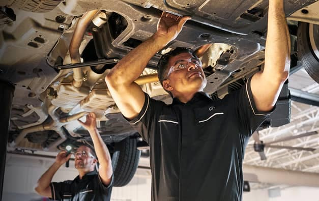 Mercedes Benz Service Technician