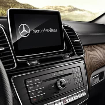 2018 Mercedes-Benz GLE Interior Technology Features