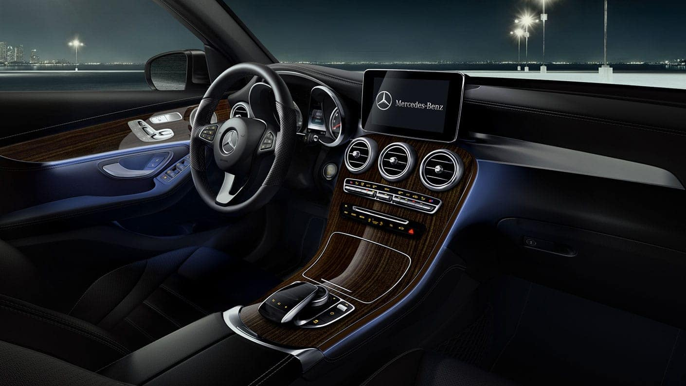 2019-GLC-SUV-GALLERY-010-SET-L-FI-DR