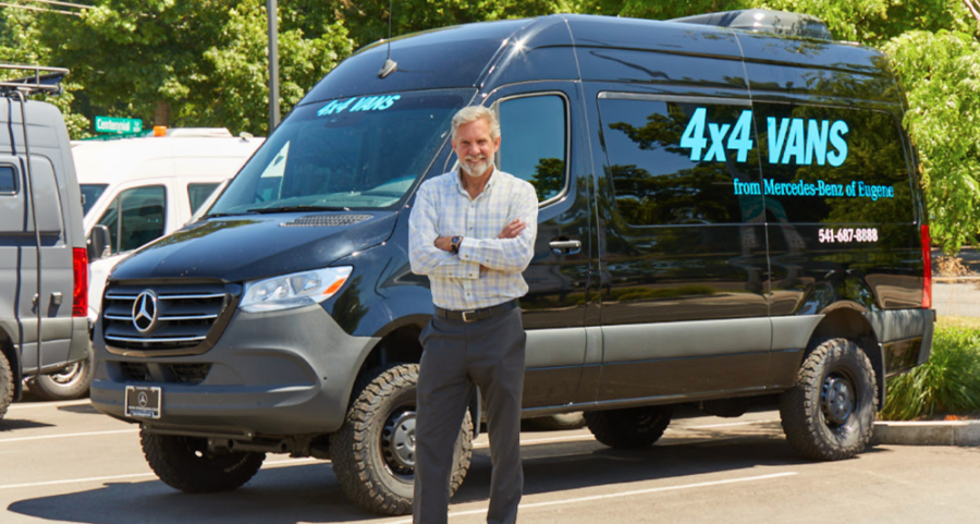 Sprinter Manager in front of Sprinter 4x4 van