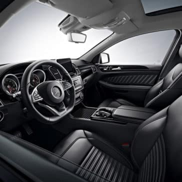 2018 Mercedes-Benz Interior Front Seating and Dashboard Features