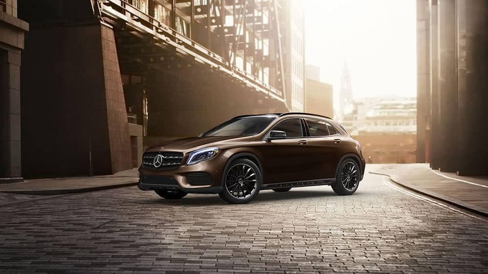 2019 Mercedes-Benz GLA city street