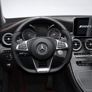 2018 Mercedes-Benz GLC Steering Wheel and Dashboard Features