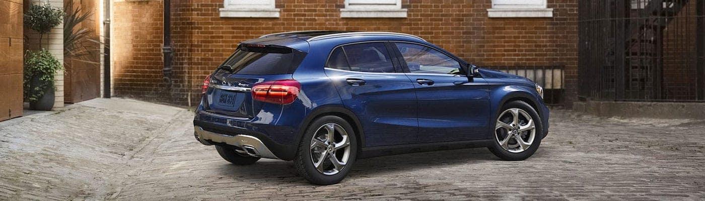 2019 mercedes-benz gla blue exterior