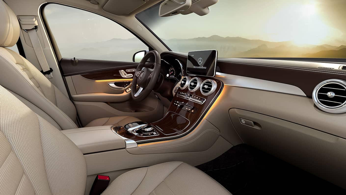 2019 Mercedes-Benz GLC SUV front interior