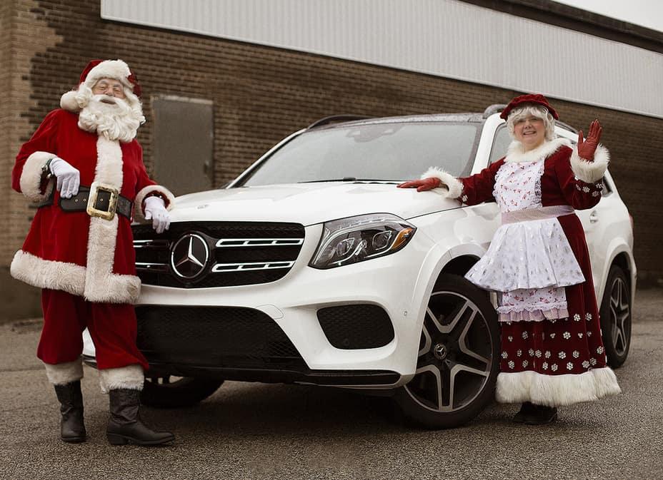 Mercedes Christmas Parade 2019 Toronto's Annual Santa Claus Parade   Mercedes Benz Thornhill