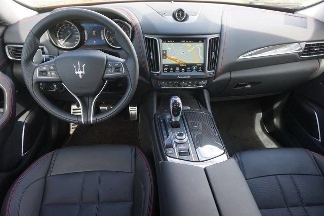 Award Winning Interior 2017 Maserati Levante