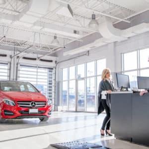 Performance Mercedes-Benz Service Bay