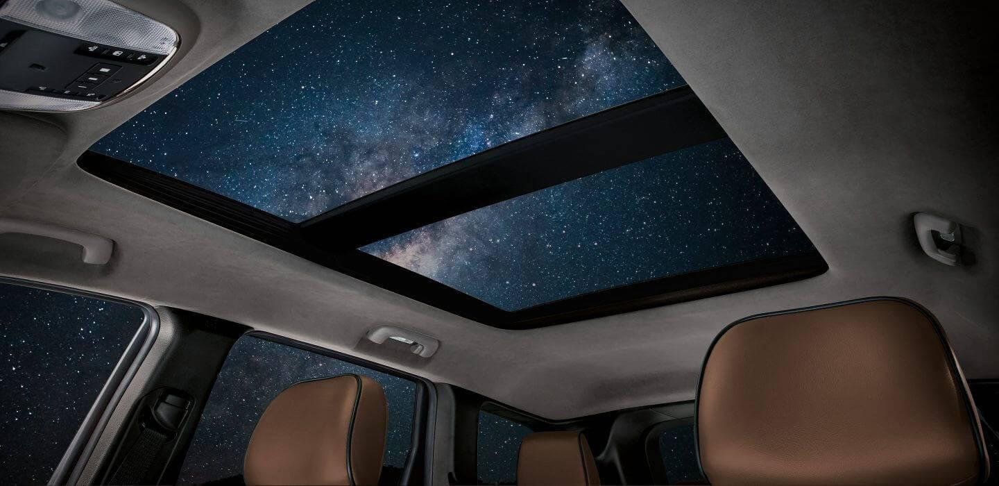 2017-Jeep-Grand-Cherokee-Gallery-Interior-Sunroof-Night